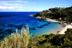 GIGLIO – A CANNELLE STRAND FOTO:WWW.BOATMEN.IT
